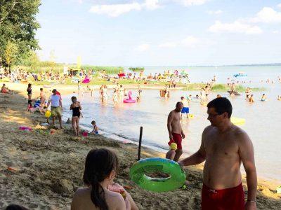 Gyermek és családbarát Libás strand Keszthelyen a Balatonnál.