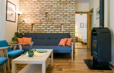 """Balatoni családbarát apartmanok - Toldi68 Apartmanház Keszthely - nappali szoba - """"A"""" apartman."""
