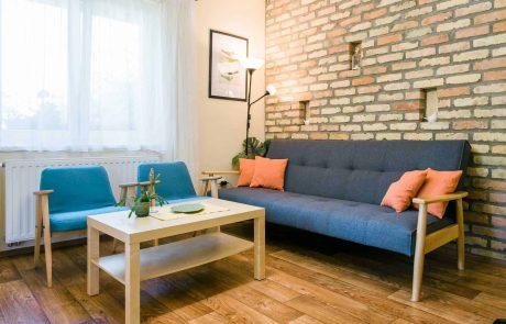 Családbarát balatoni apartmanok - szálláshely Keszthelyen a Balaton északi partján - Toldi68 apartmanház - nappali szoba - A apartman.