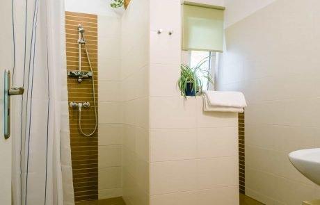 Keszthely - toldi68 apartmanház fürdőszoba - B apartman.